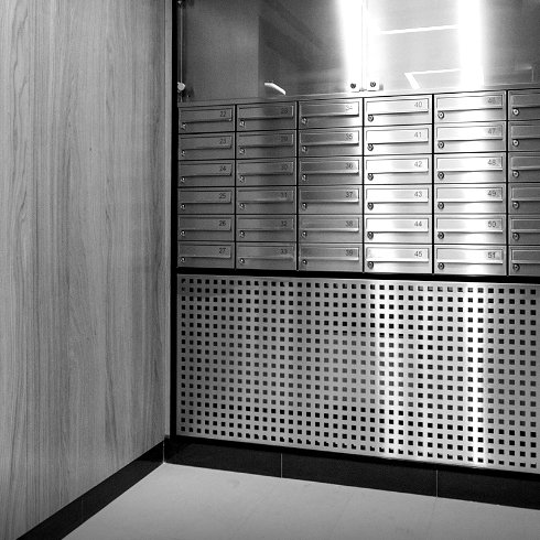 1-klock-mailbox-2018